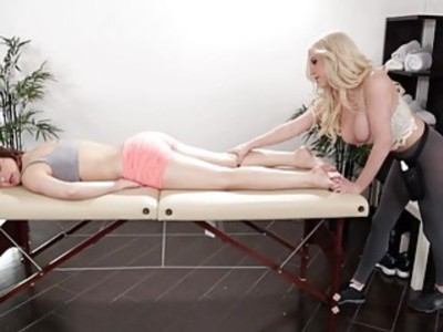 Blonde babe Spencer Scott rubs Leah Gotti big tight ass
