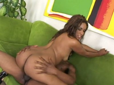 Big bottomed ebony bitch Kaleah rides cock