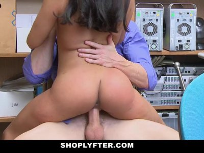 ShopLyfter Latina Employee Fucked By Her Manager