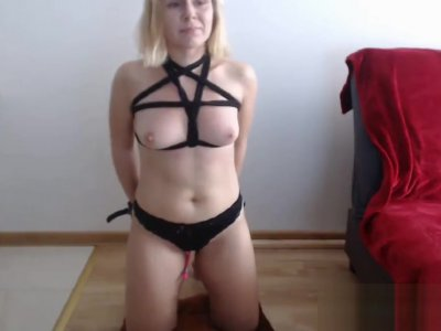 Amateur guy spanking his girlfriend on the ass on webcam