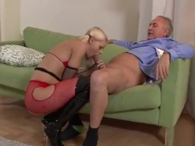 Amateur Schoolgirl Gets To Ride A Plump Cock For Homework