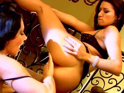 Stunning brunette lesbians Jayden Jaymes and Ann Marie Rios eat their pussies