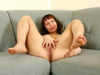 Amateur milf squirting orgasm