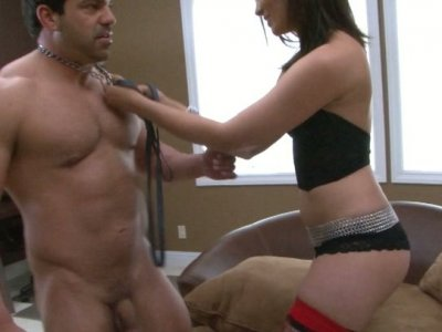 Crissy Moon fucks solid-shaped Vince Ferelli wearing chains
