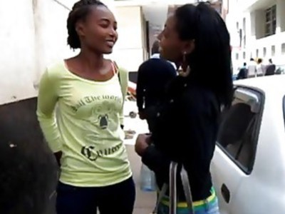 Steamy lesbian sex makes two African hotties cum like crazy