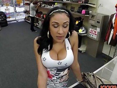 Big boobs latin babe nailed by pawn man at the pawnshop