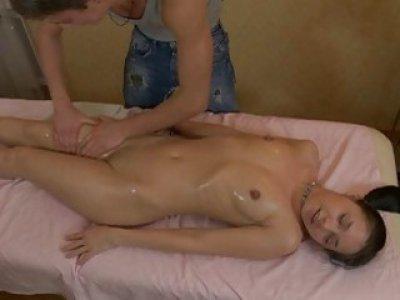 Massaging beautys smooth wazoo